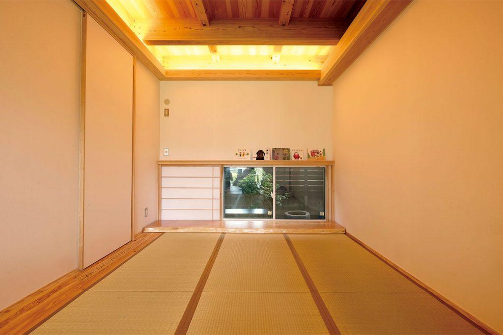 寝室を兼ねた和室には、大容量のウォークインクローゼットを併設。